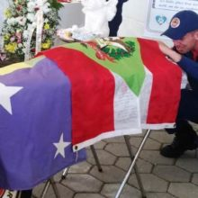 Emoção marca despedida de cão de resgate que morreu durante buscas no rio em Santa Catarina
