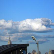 Todos os cães vão para o céu e essa nuvem em forma de cão é a prova disso