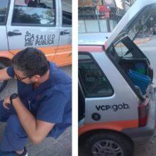 Veterinários saem para alimentar cães de rua, pois as pessoas estão ficando em casa