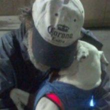 Morador de rua tinha apenas 2 meses de vida com isso fez apelo desesperado para que alguém adote seu cãozinho