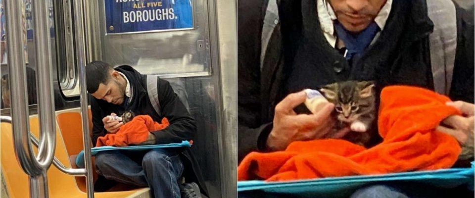 Uma mulher fica emocionada ao ver homem alimentando gatinha resgatado em metrô