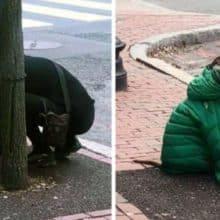 Tutora dá ao seu cachorro sua própria jaqueta para que ele fique aquecido esperando do lado de fora