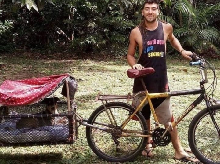Entregador modifica sua bicicleta 5